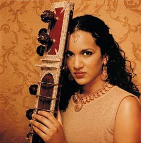 Anoushka Shankar 2001.jpg